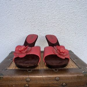 Mossimo Faux Red Leather Heels Flower